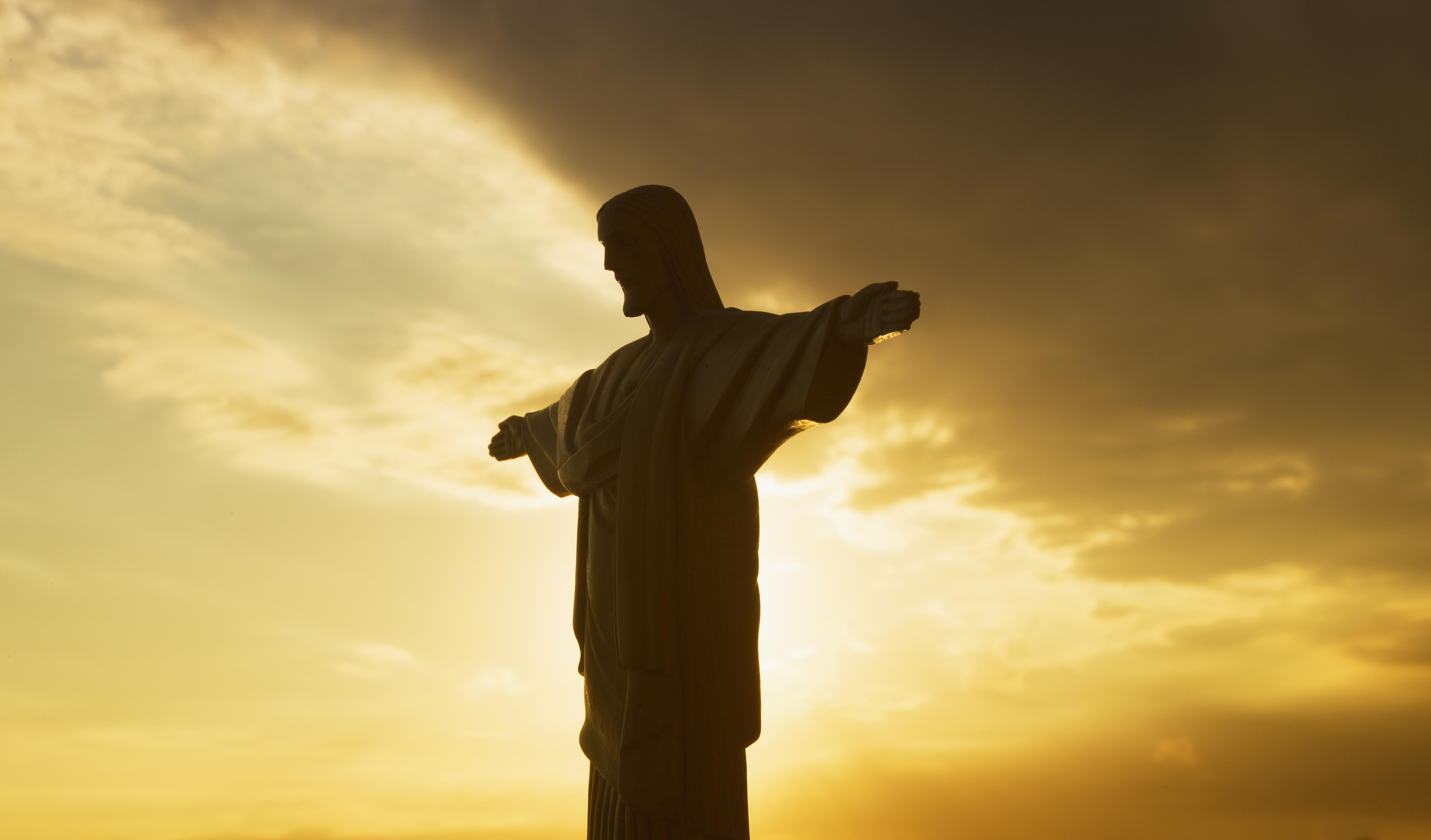 Statue of Christ the Redeemer on the Corcovado pea