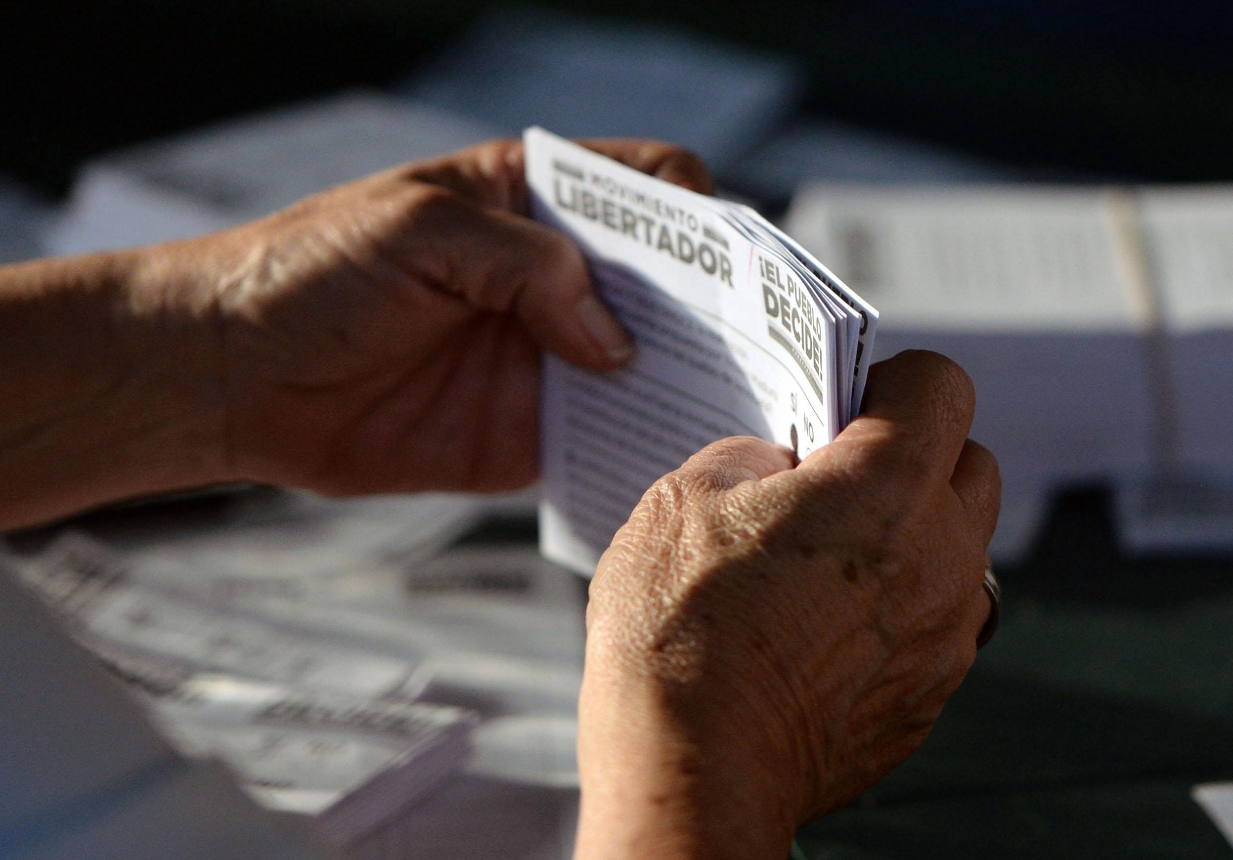 VENEZUELA-CRISIS-OPPOSITION-VOTE