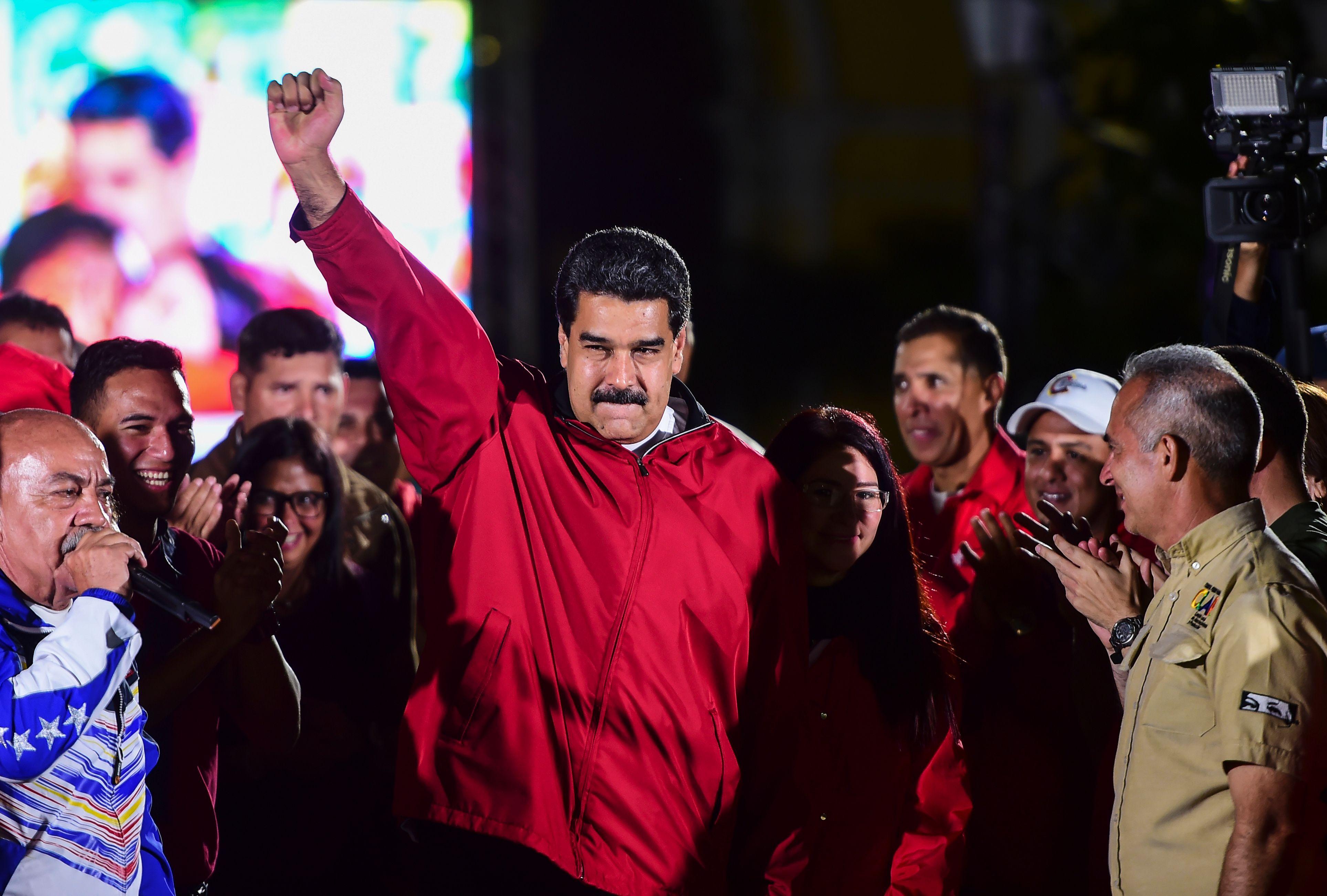 TOPSHOT-VENEZUELA-POLITICS-CRISIS-ELECTIONS-MADURO