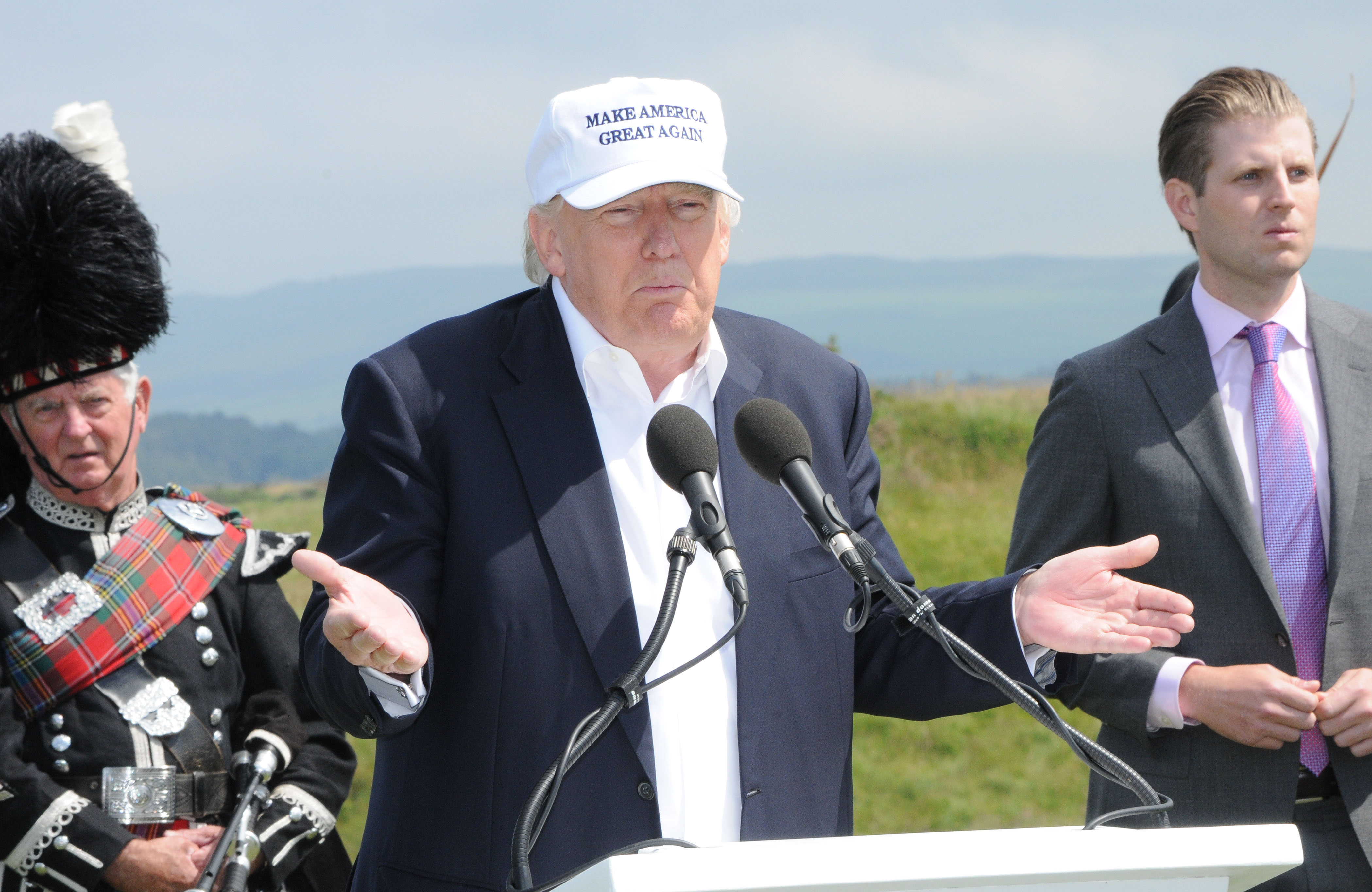 Donald Trump opens Trump Turnberry Golf Course