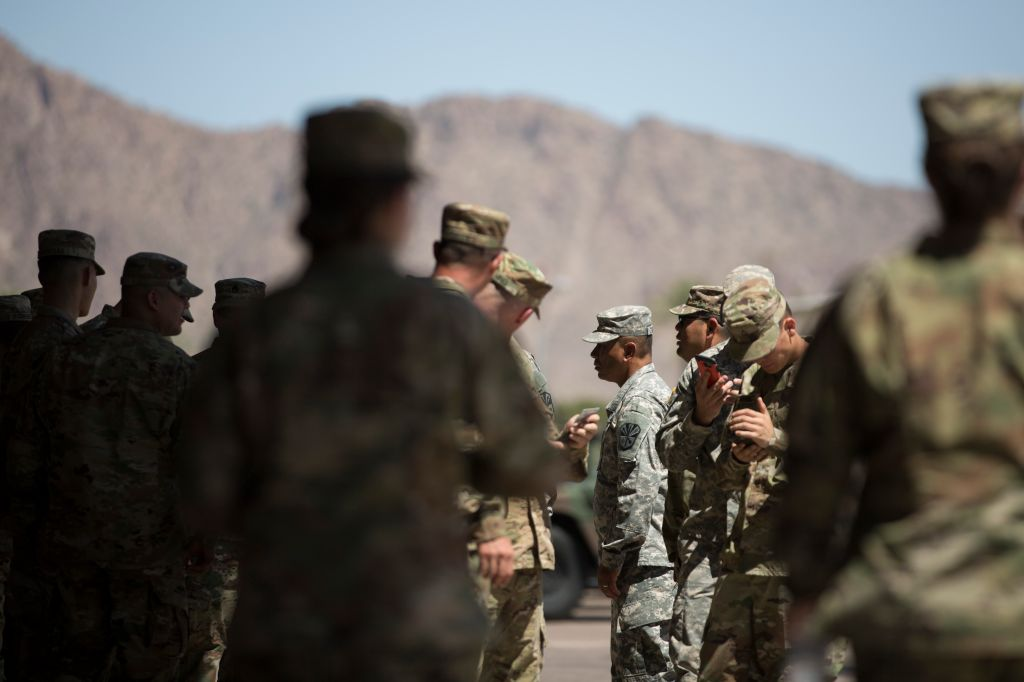 TOPSHOT-US-ARMY-POLITICS-DIPLOMACY-MIGRATION-MEXICO