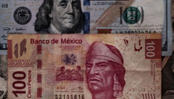 MEXICO-US-DOLLAR-CURRENCY