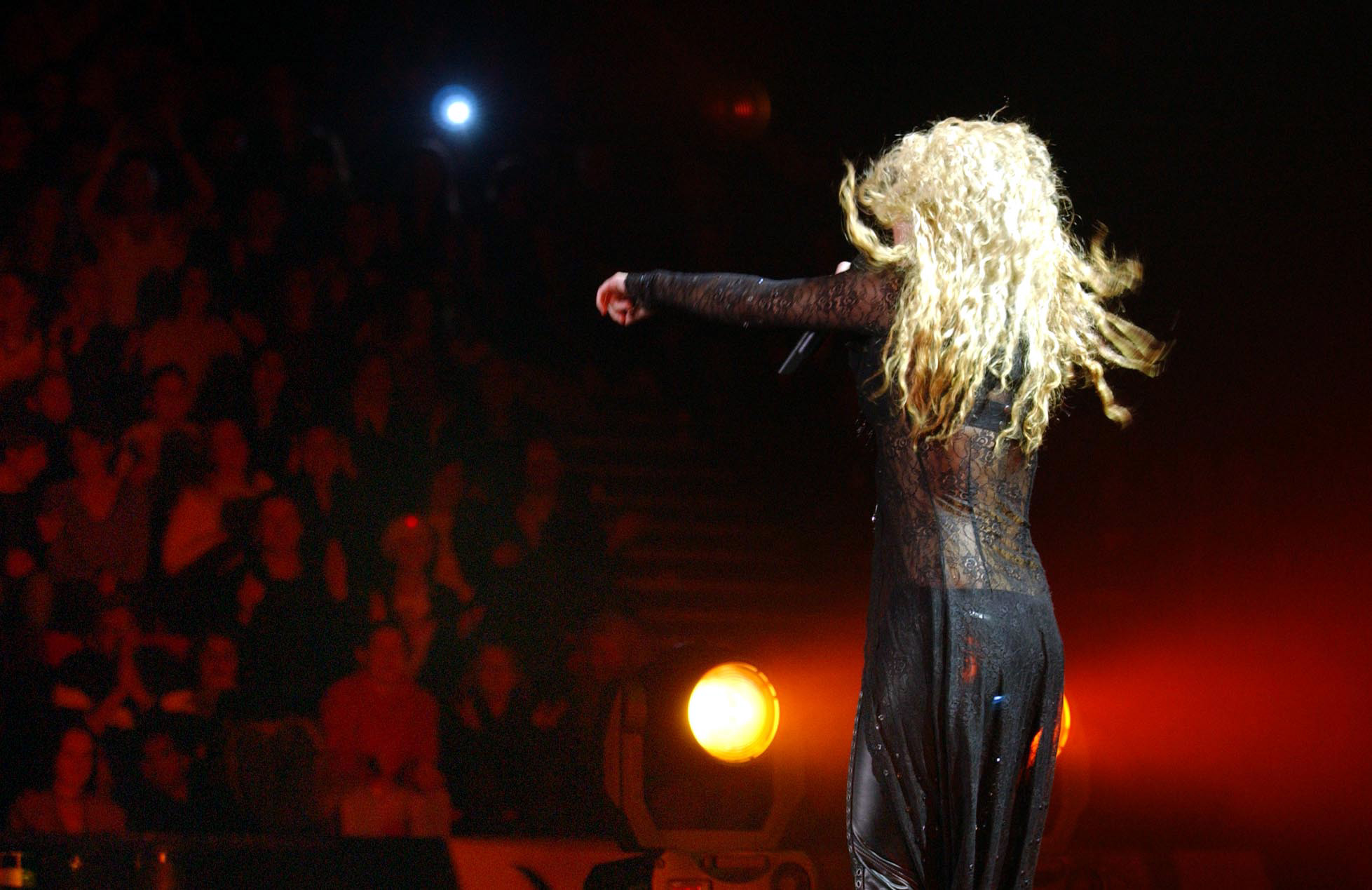 Shakira plays Wembley Arena