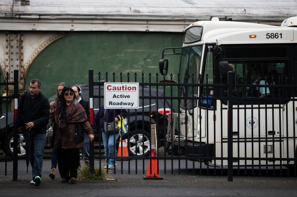 New Jersey Transit Commuters Deal With Crowds And Delays One Day After Deadly Crash In Hoboken