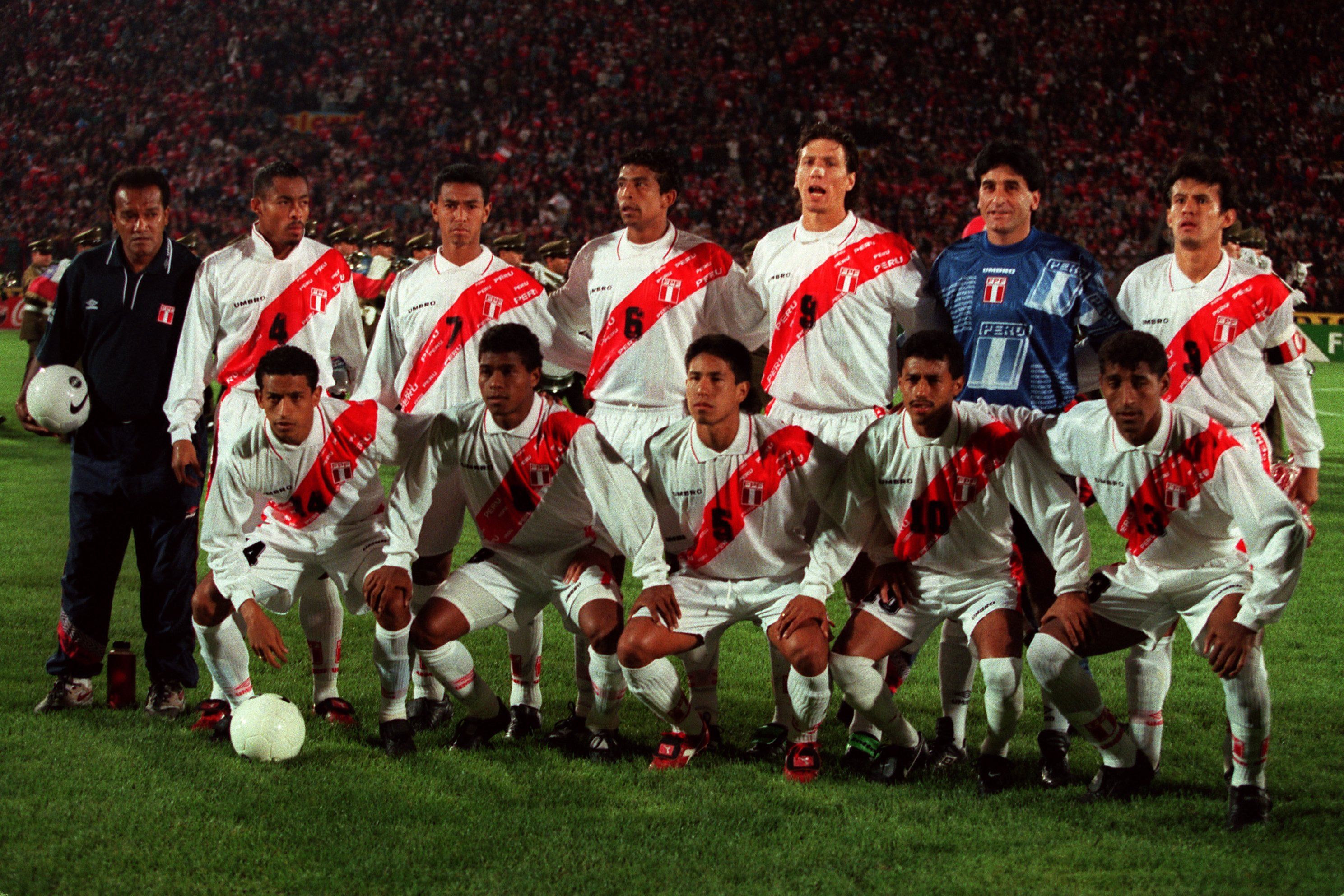 Soccer - World Cup Qualifier - Chile v Peru