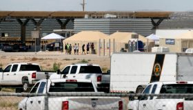 TOPSHOT-MEXICO-US-MIGRATION-CHILDREN-DETENTION