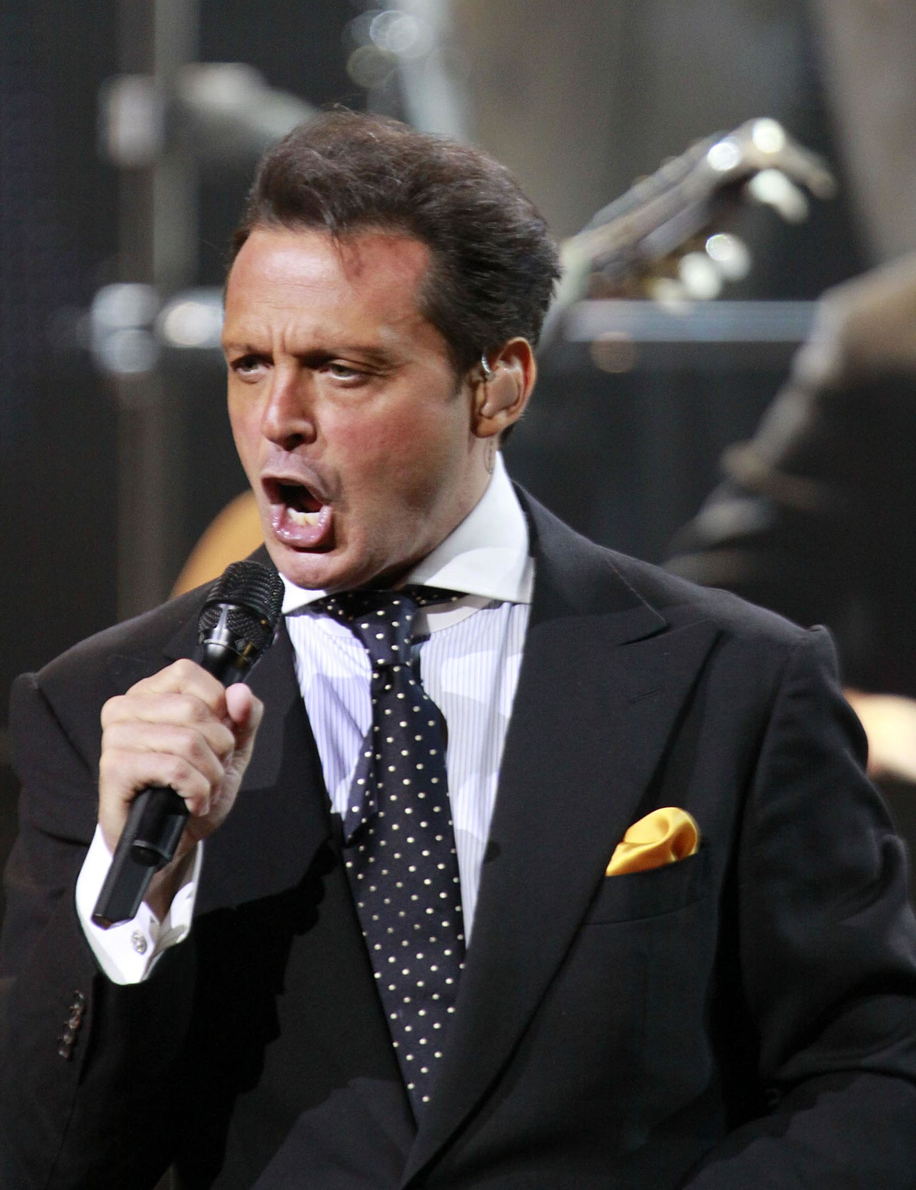 LUIS MIGUEL PERFORMING IN LAS VEGAS