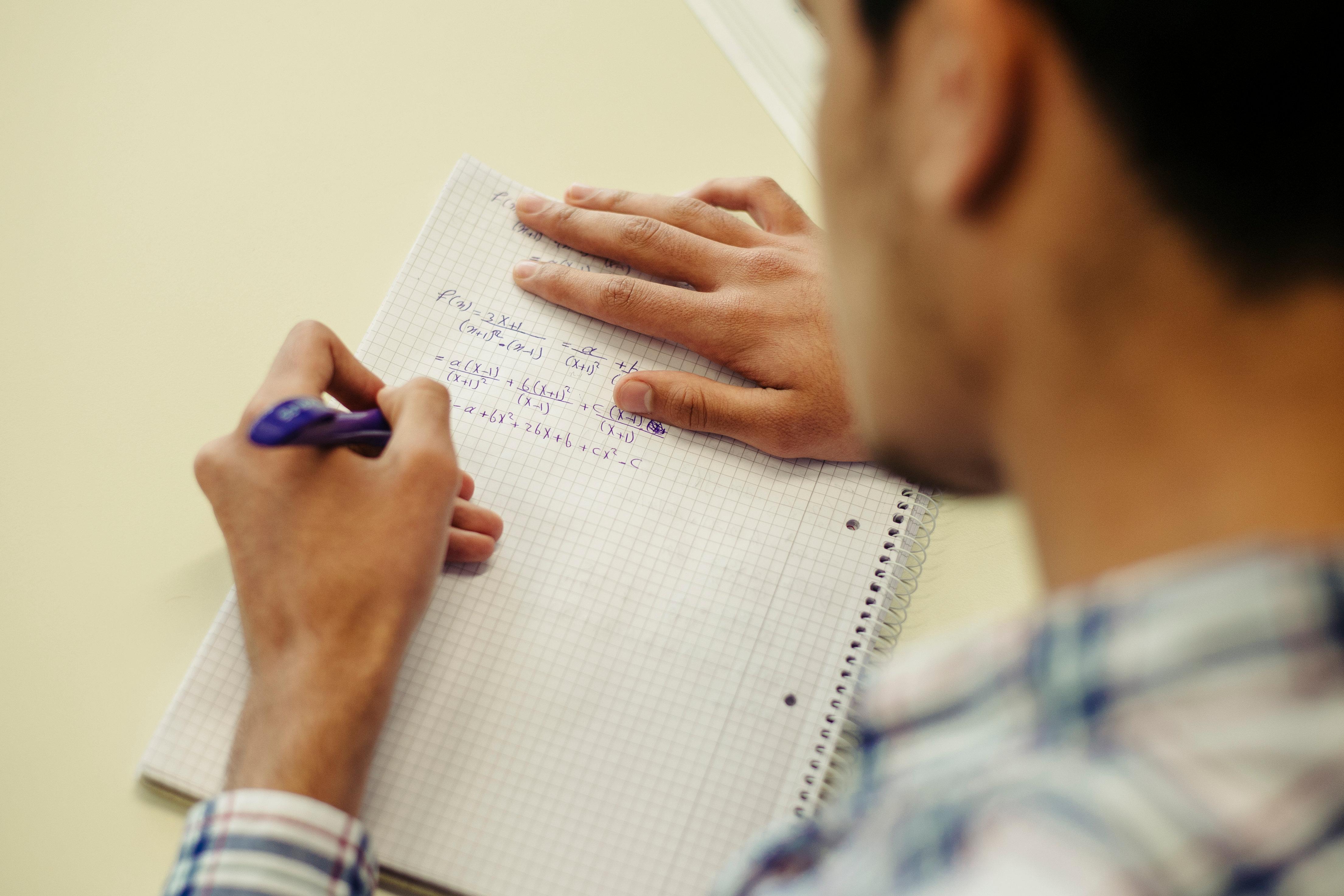 Universities prepare refugees for studies