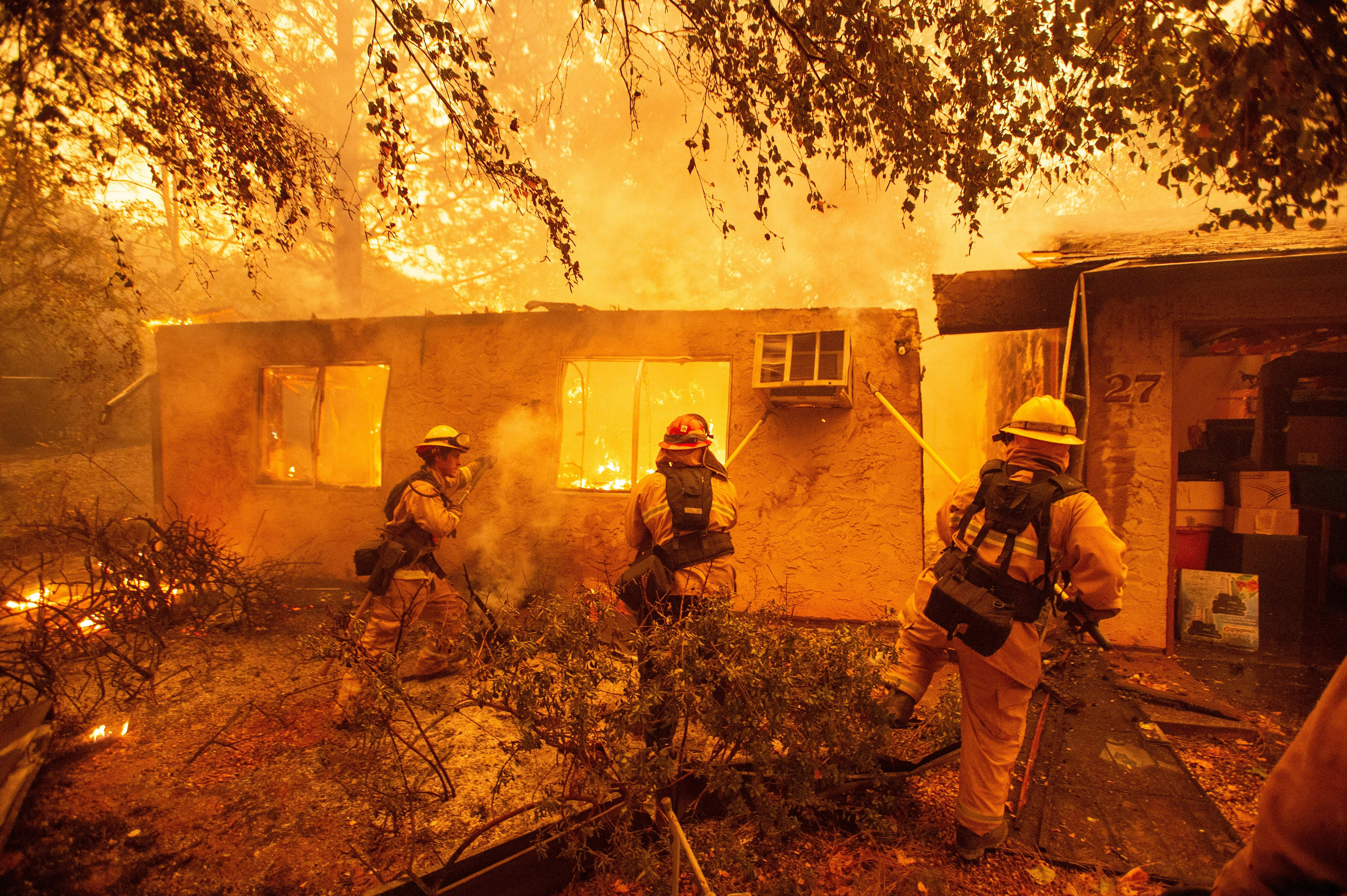 US-FIRE-WEATHER-USA-ENVIRONMENT