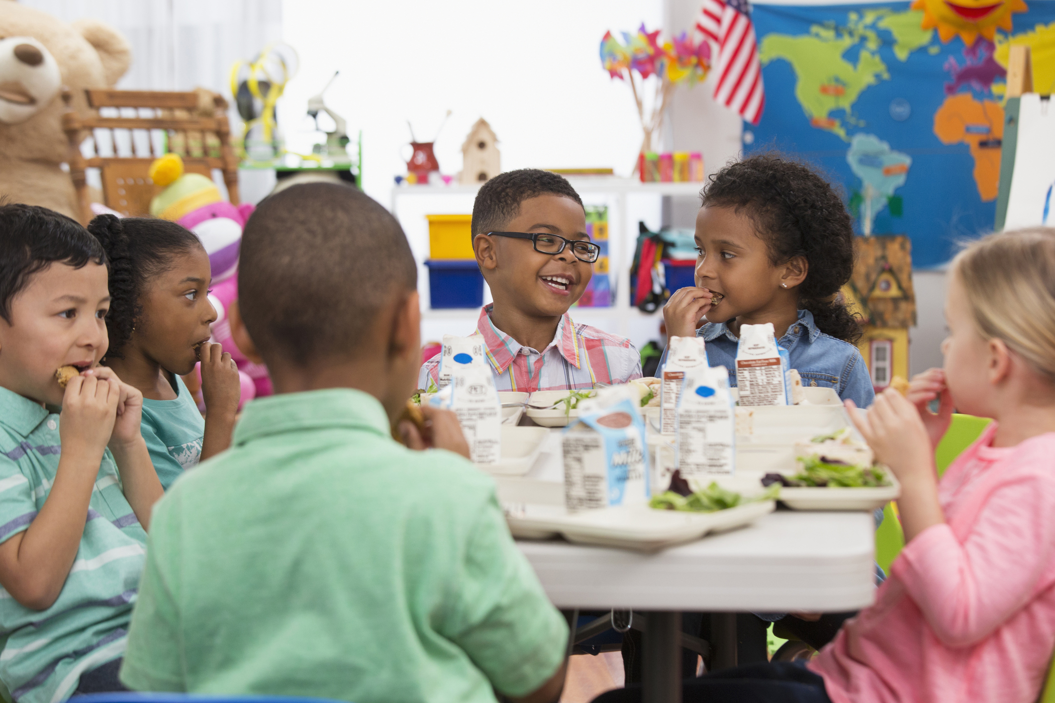 Students eating lunch at school